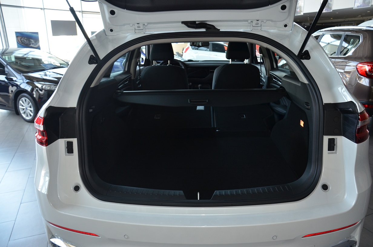 Haval F7 trunk